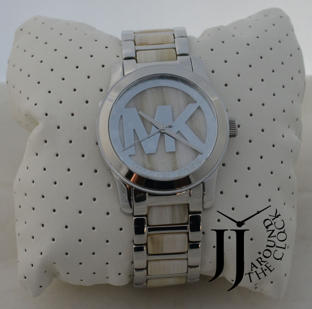 Modern dress ladies - Silver Tone Dial With Silver Tone Hands Numbers And Hour Markers With
